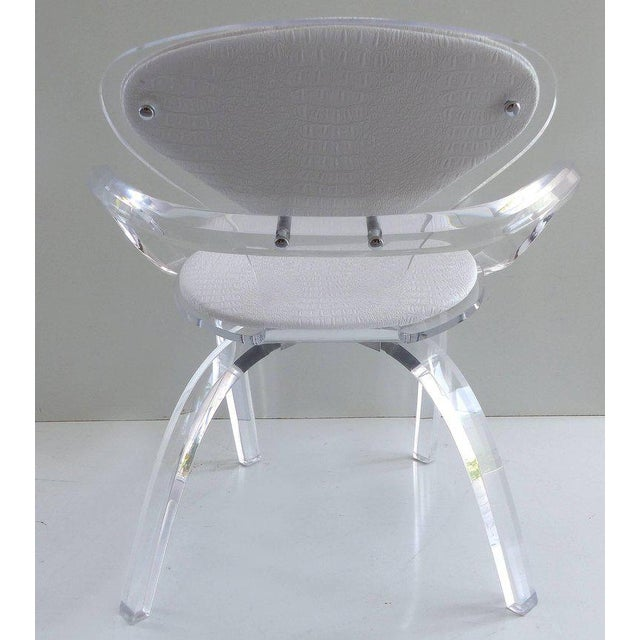 Mid-Century Modern Custom-Made Lucite Pretzel Chair Inspired by the Norman Cherner Classic For Sale - Image 3 of 11