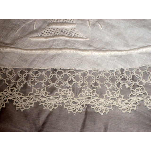 Vintage Embroidered and Crochet Round Tablecloth - Image 4 of 10