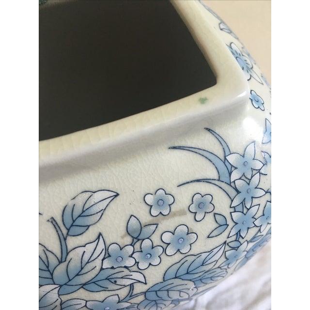 Tall Vintage White & Blue Floral Oriental Vase - Image 8 of 8