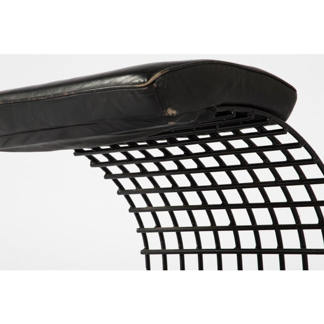 1980s Cantilevered Postmodern Wire Mesh Armchair and Ottoman For Sale In Boston - Image 6 of 13