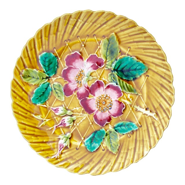 19th Century Art Nouveau De Sarreguemines Majolica Wild Rose Ceramic Plate For Sale