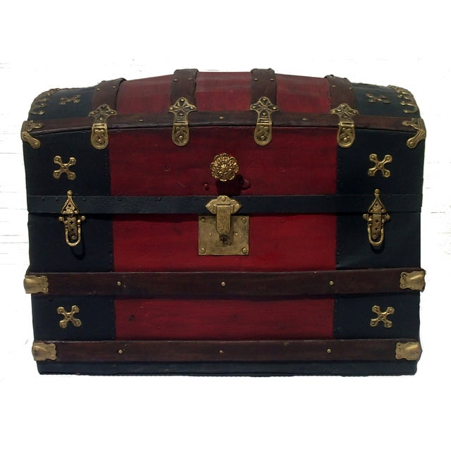 Fancy Antique Barrel Top Trunk - Image 4 of 4