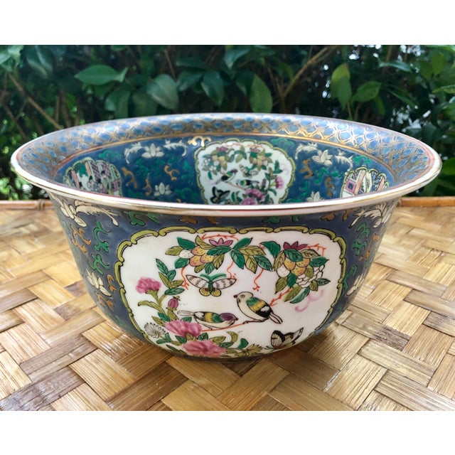 20th Century Chinese Hand Painted and Gilt Rose Medallion Bowl in Blue For Sale - Image 13 of 13