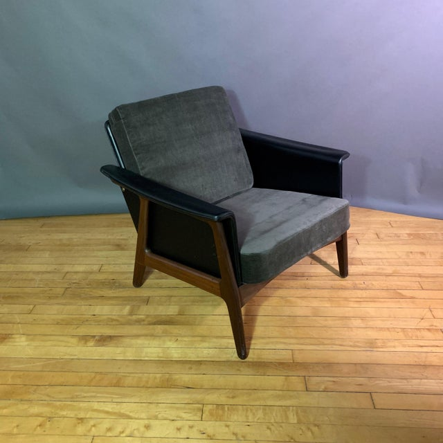 Pair Danish Design Black Naugahyde Wrapped Lounge Chairs For Sale - Image 11 of 13