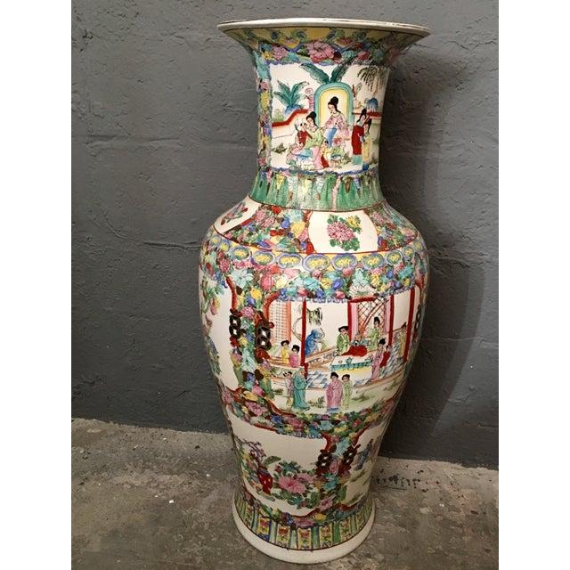 Famille Rose Large Porcelain Vase For Sale In Miami - Image 6 of 6