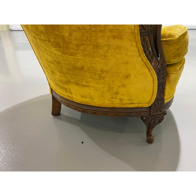 Victorian 1970s Vintage Yellow Channel Barrel Back Velvet Swan Carved Chair For Sale - Image 3 of 9