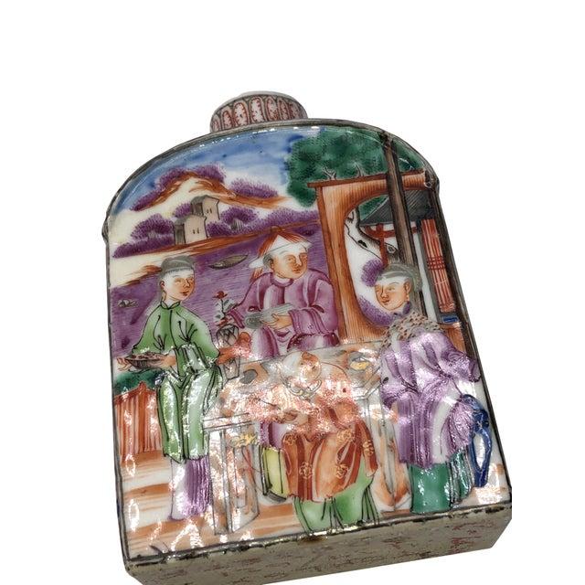 18th Century Mandarin Porcelain Tea Caddy For Sale - Image 4 of 10