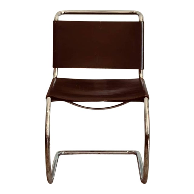 Exquisite Set Of Four Classic Thick Leather And Chrome Mr Chairs By