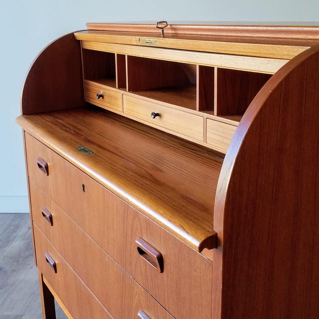 1960s Egon Ostergaard Teak Roll-Top Writing Desk For Sale In Seattle - Image 6 of 13