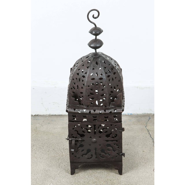 Set of Three Large Moroccan Hurricane Metal Candle Lanterns For Sale In Los Angeles - Image 6 of 7