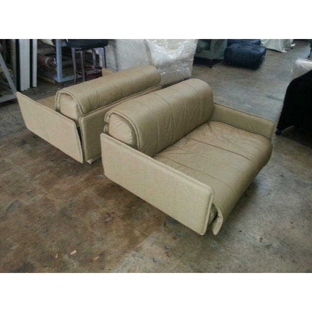 """Pair of De Sede of Switzerland """"1986"""" Oversized Modern Leather Chairs For Sale - Image 9 of 13"""