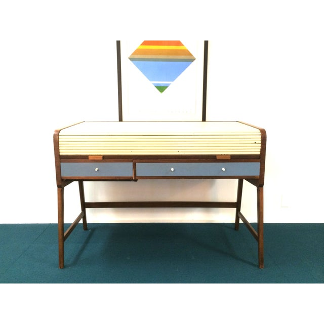 Mid-Century Modern Mid-Century Sligh Lowry Walnut Roll Top Desk For Sale - Image 3 of 7