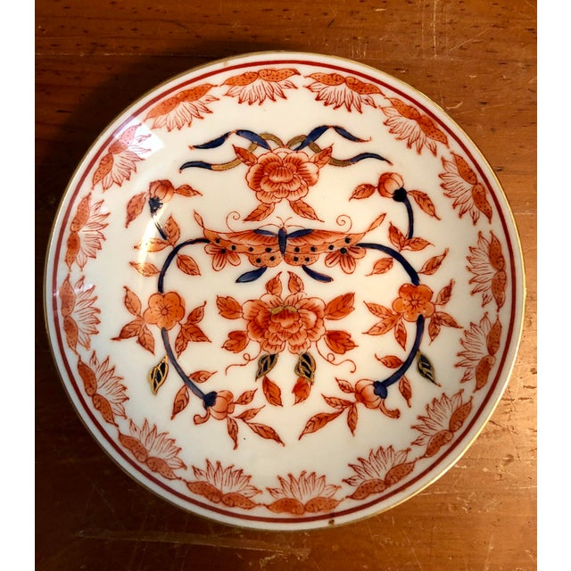 Mid-20th Century Ritz Carlton Imari Coral Butterfly and Gold Accented Bowl For Sale In Charleston - Image 6 of 8