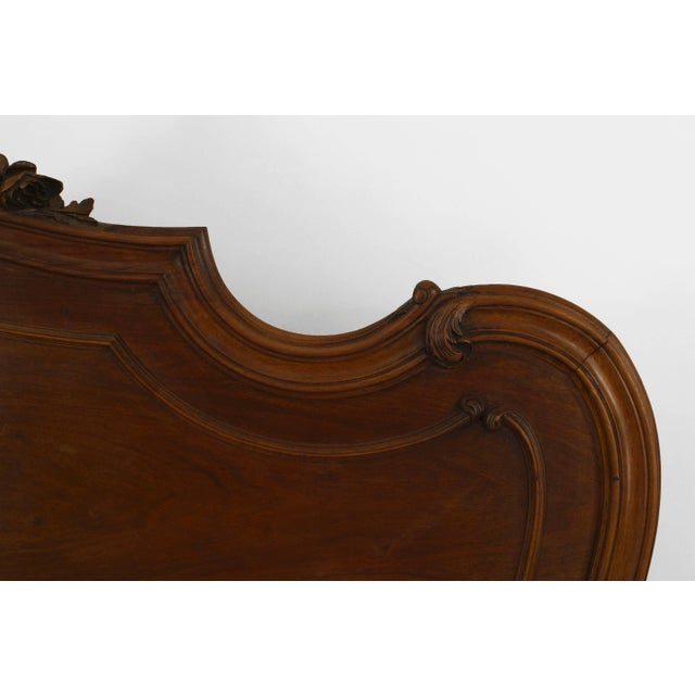 French Turn of the Century French Louis XV Style Walnut Bed For Sale - Image 3 of 7