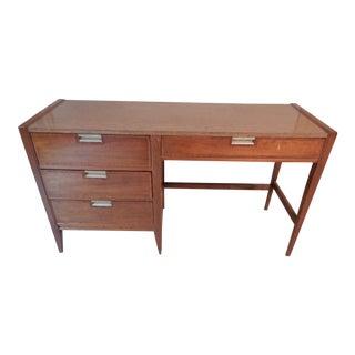Vintage Basic Witz Desk