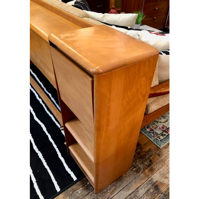 Mid Century Heywood Wakefield Full Size Headboard W/Attached Nightstands For Sale - Image 10 of 12