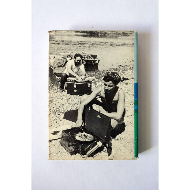 """Americana 1971 Vintage """"Camping in Comfort"""" Camping Book For Sale - Image 3 of 10"""