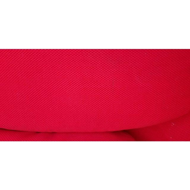 "1970s Vintage Eero Aarnio Style Fiberglass ""Ball"" Chair For Sale - Image 10 of 11"