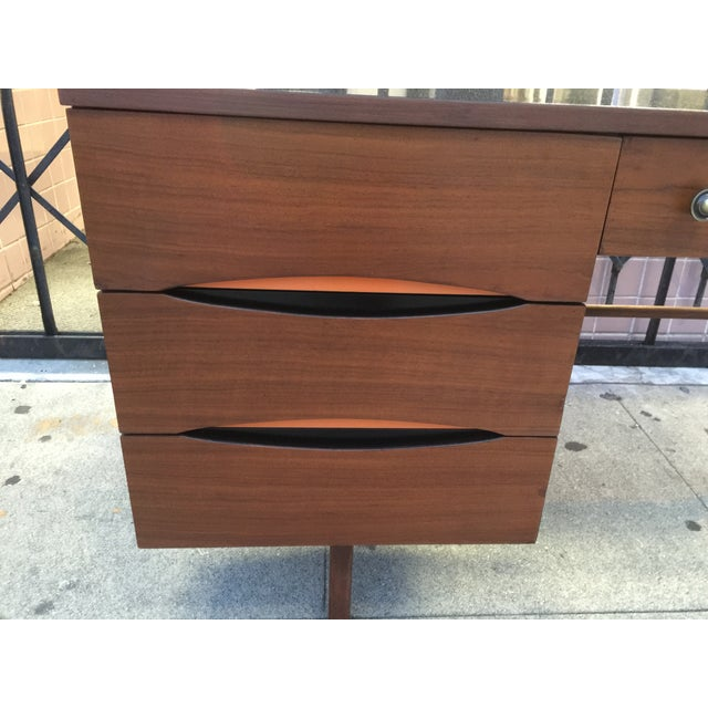 Mid Century Desk With Minimal Color Detailing - Image 6 of 7