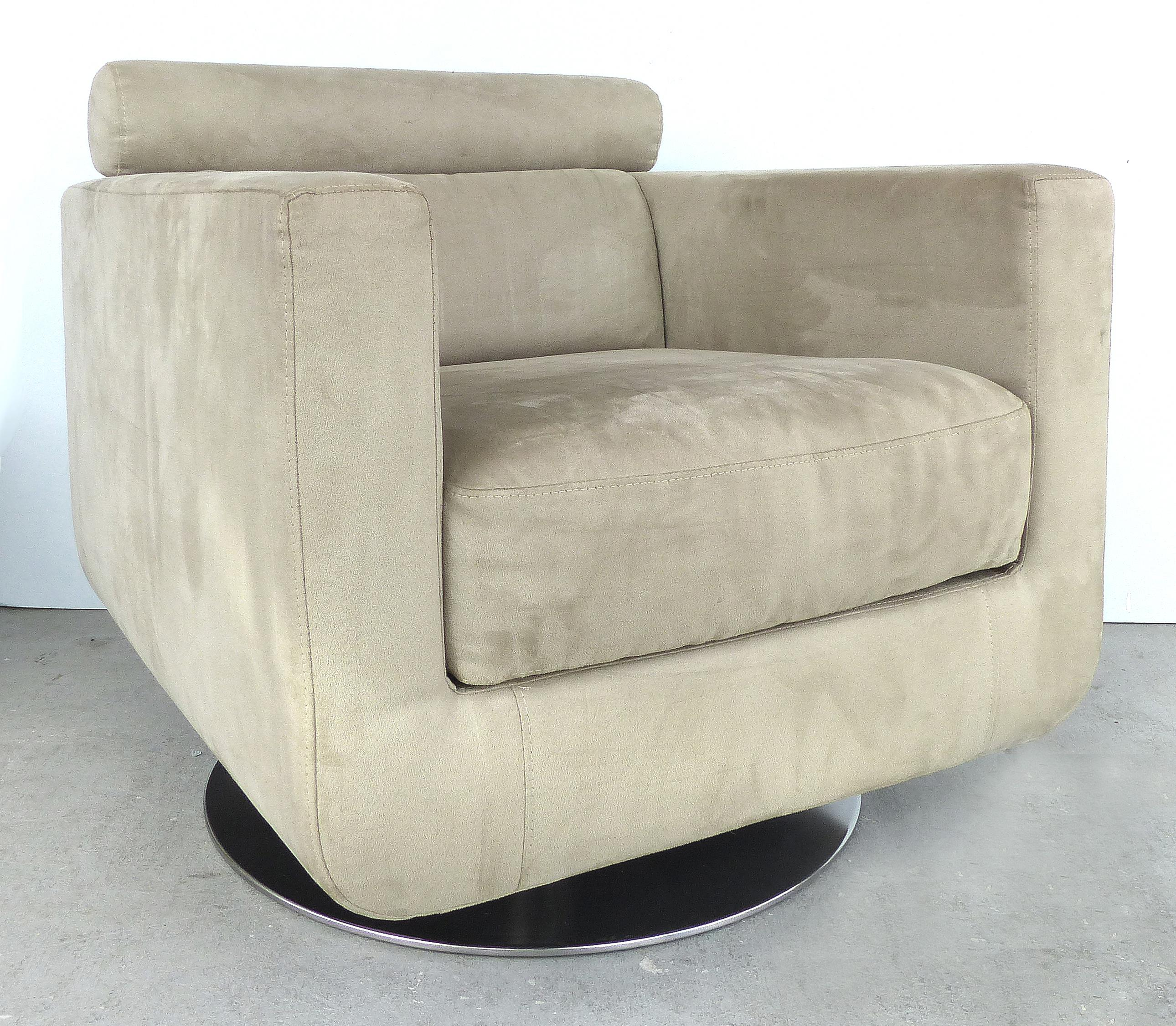Italian Ultra Suede Swivel Club Chairs By Natuzzi Salotti   A Pair   Image 3
