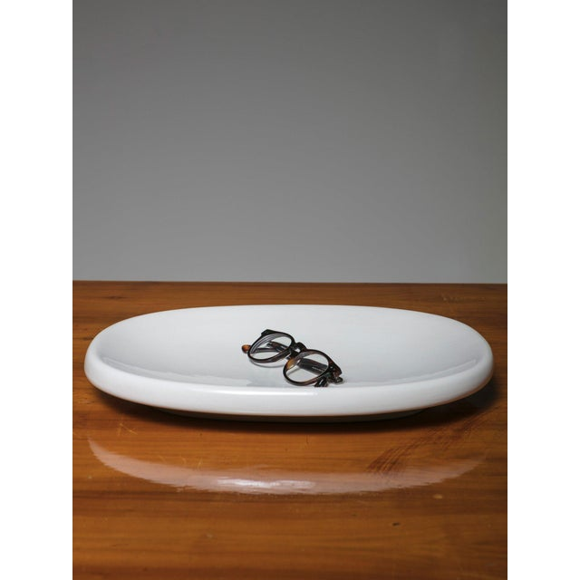Large high glaze white centerpiece by Angelo Mangiarotti for Danese.
