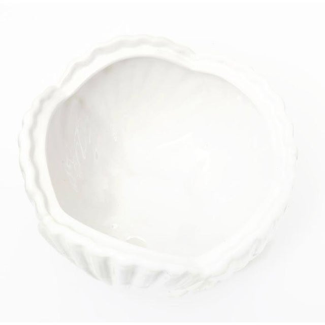 Mottahedeh Shell-Form Covered Serving Bowl For Sale In San Francisco - Image 6 of 8