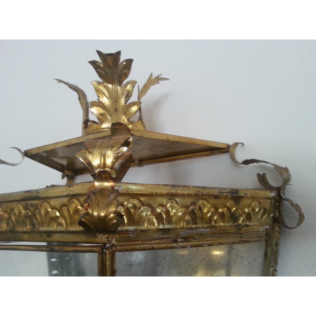 Italian Venetian Style Gilt Tole and Glass Wall Lantern For Sale - Image 3 of 10