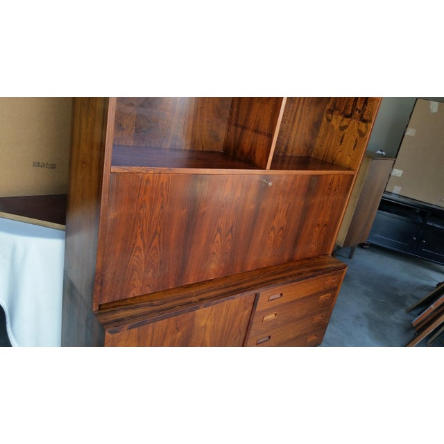 Mid-Century Modern 1960's Carlo Jensen Rosewood Wall Unit for Hundevad & Co For Sale - Image 3 of 12