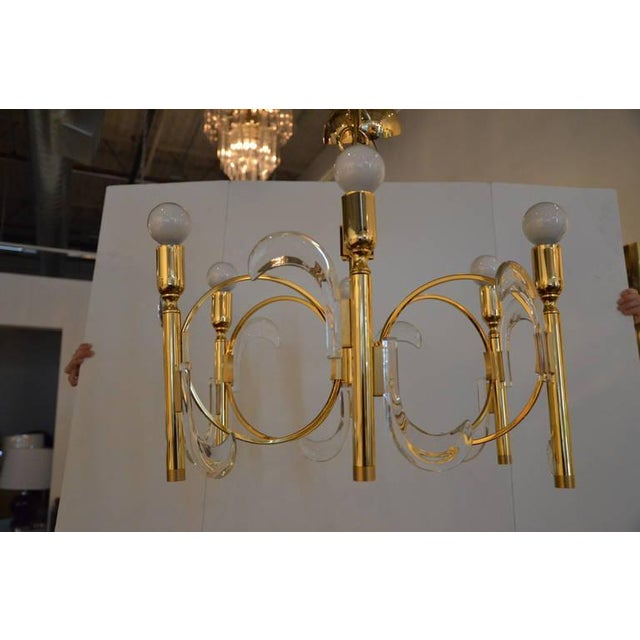 Gaetano Sciolari Lucite and Brass Chandelier - Image 6 of 6