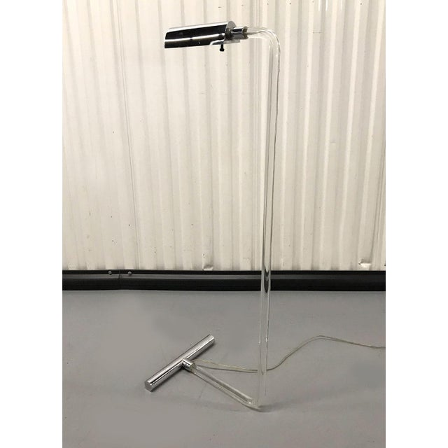 1970s Vintage Lucite and Chrome Floor Reading Lamp For Sale - Image 5 of 7