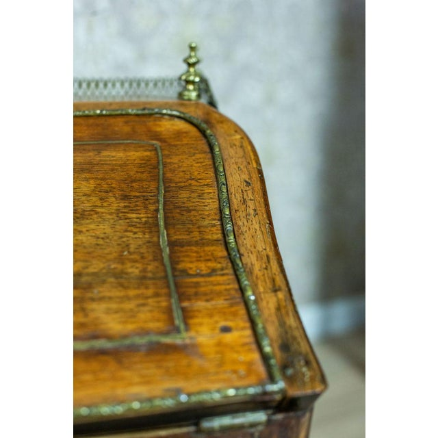 Wood Louis XV Ladies Writing Desk from the 18th Century For Sale - Image 7 of 13