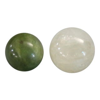20th Century Chinese Jade Green and White Onyx Balls - Set of 2 For Sale