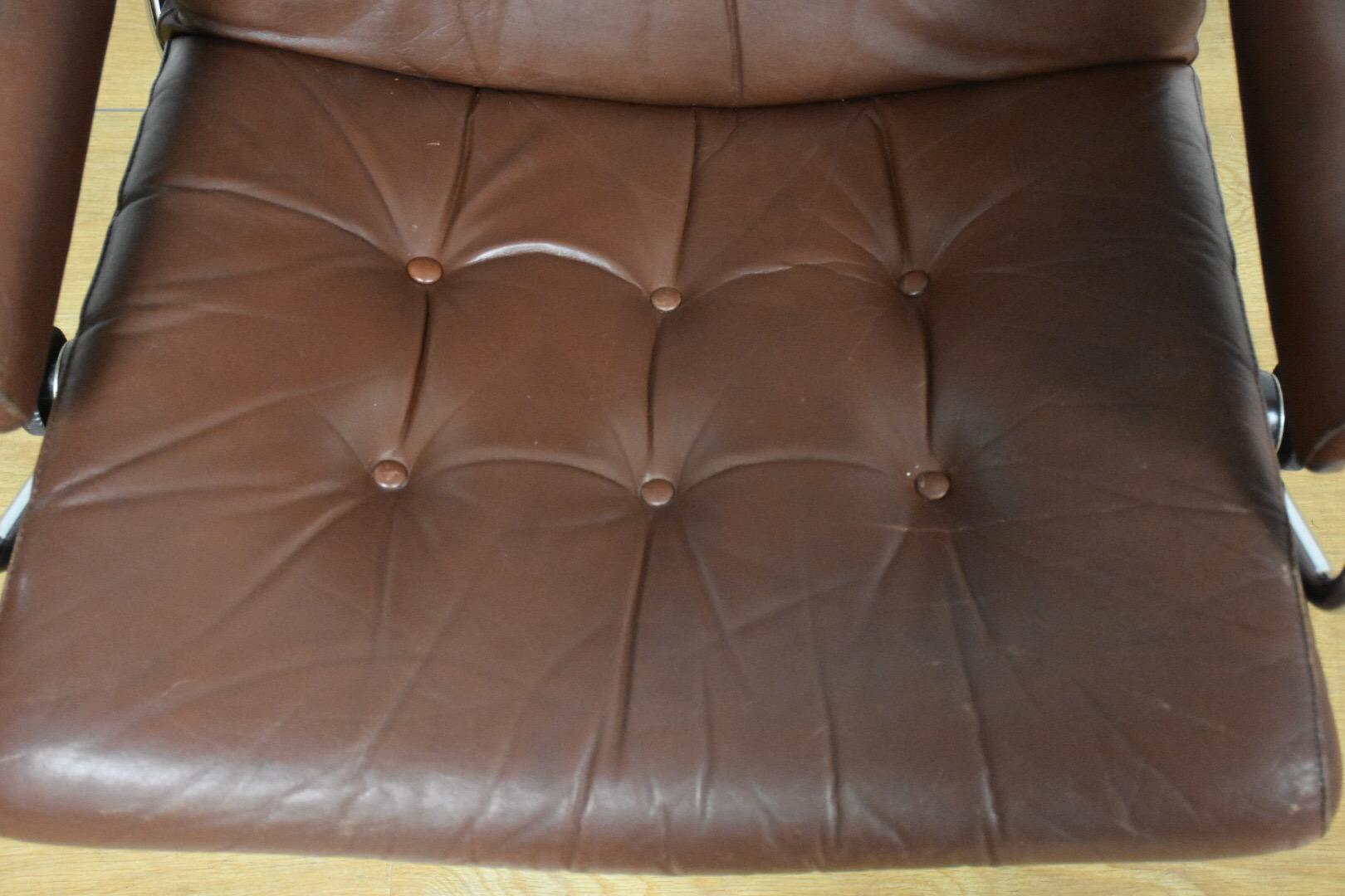 Vintage Ekornes Stressless Recliner And Ottoman   Image 4 Of 11