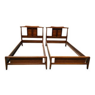 Mid-Century Modern Chinoiserie Pagoda Style Twin Size Beds - a Pair For Sale
