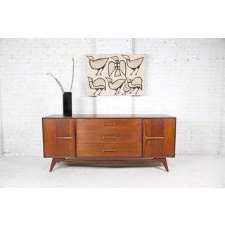 Vintage 9 Drawer Dresser With Sculptural Details Preview
