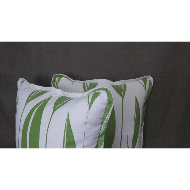 Raoul Textiles Throw Pillows in Variegata Linen Print - a Pair For Sale - Image 4 of 6