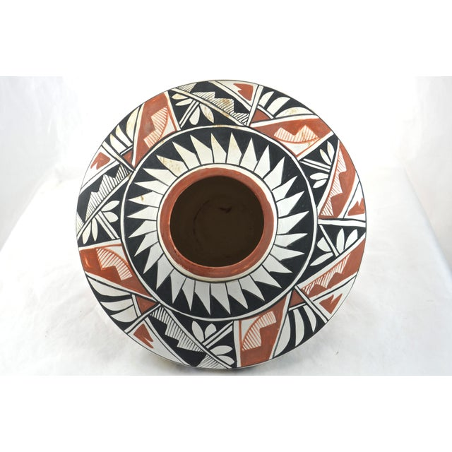 Cottage Southwest Hand Painted Acoma Pueblo Olla Jar For Sale - Image 3 of 6
