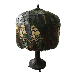 1960s Tiffany Style Parrots Table Lamp For Sale
