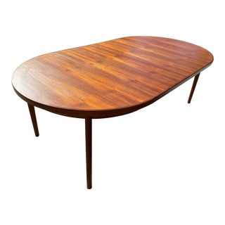 Mid-Century Modern Danish Teak Dining Table with 2 Leafs For Sale