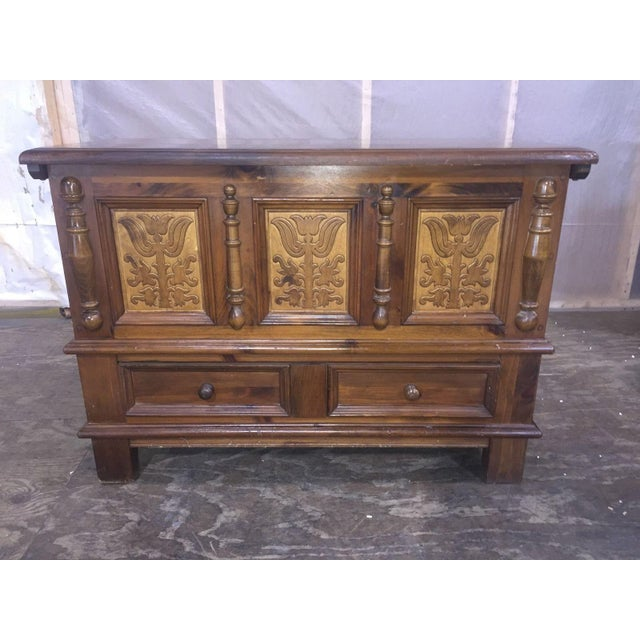"""The seller says: Rare! Don't wait to bid...this is a highly collectible Heywood Wakefield """"Dowry Blanket Chest"""" 1974..."""