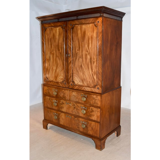 Early 19th Century 19th Century English Mahogany Linen Press For Sale - Image 5 of 12