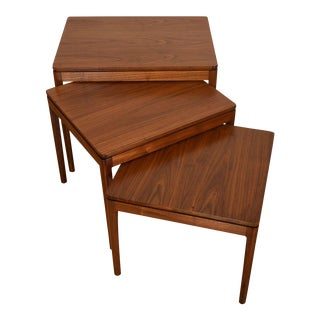 Set of 3 Mid Century Modern Walnut Nesting Tables For Sale