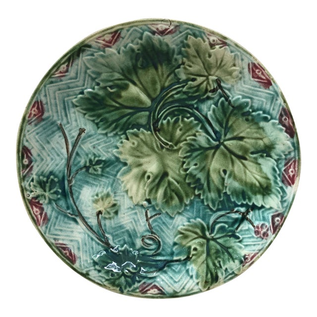 French Majolica Grape Leaves Plate Onnaing, Circa 1900 For Sale