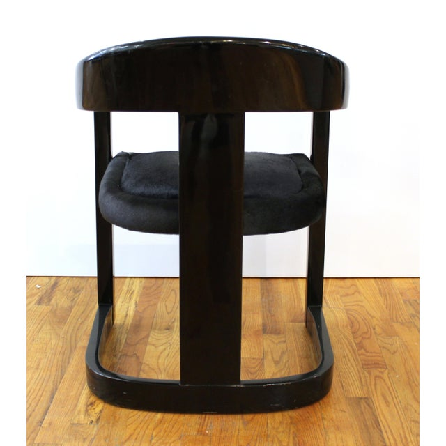 Late 20th Century Karl Springer Modern 'Onassis' Black Lacquer Armchairs With Pony Hair Seats For Sale - Image 5 of 12