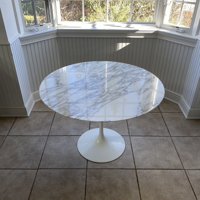 Stone 1950s Eero Saarinen For Knoll Round Dining Table For Sale - Image 7 of 11