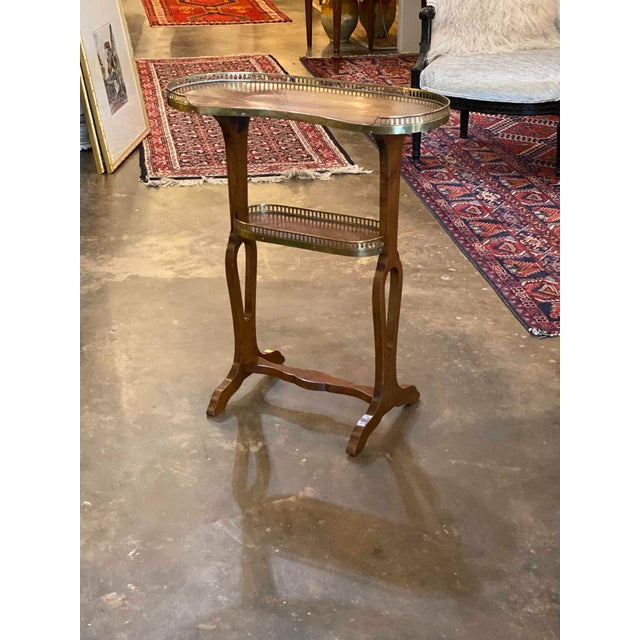 Traditional Mahogany Kidney Shaped Tables With Reticulated Brass Edge - a Pair For Sale - Image 3 of 10