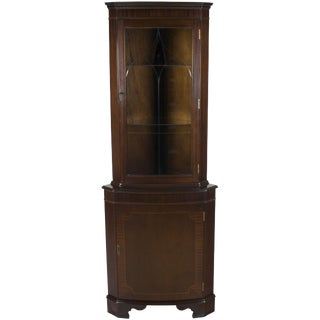 1960s English Traditional Mahogany Etched Glass Door Corner Cabinet Cupboard For Sale