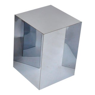 1970s Mid-Century Modern Mirrored Metal Laminate Cube Pedestal Side Table For Sale