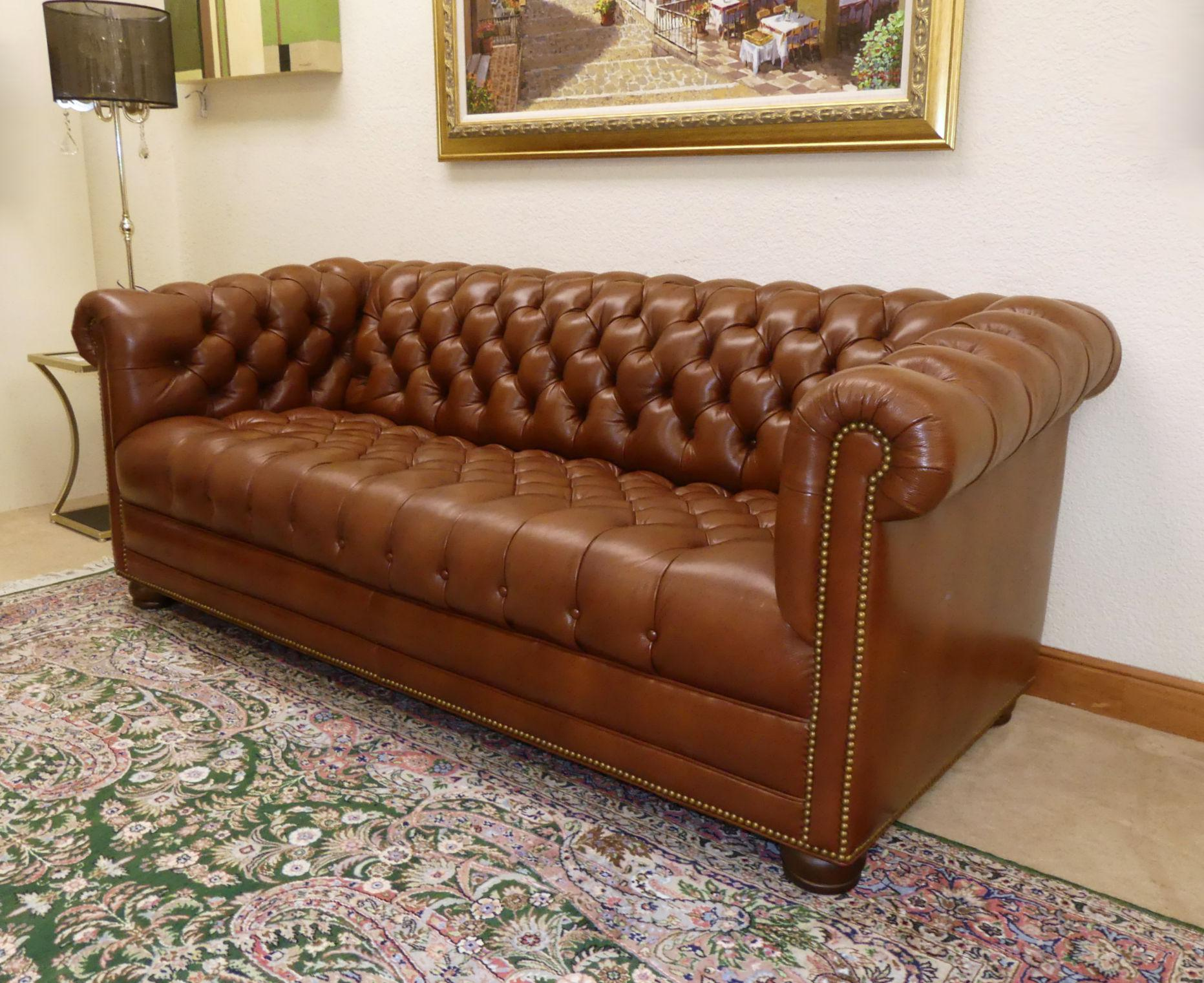 English Traditional Hancock U0026 Moore Tufted Leather Chesterfield Sofa For  Sale   Image 3 Of 13