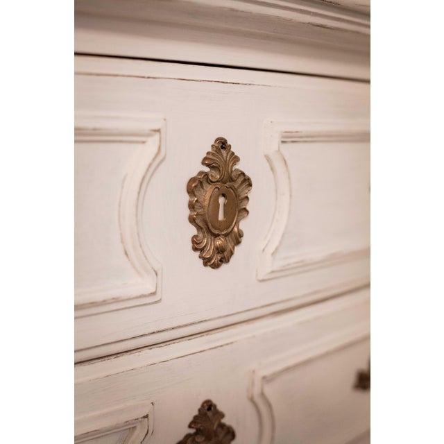 Thomasville Vintage White French Provincial Chest of Drawers - Image 4 of 9